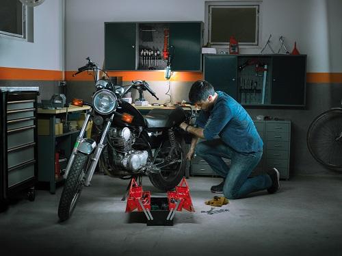 un kit de chaîne de moto